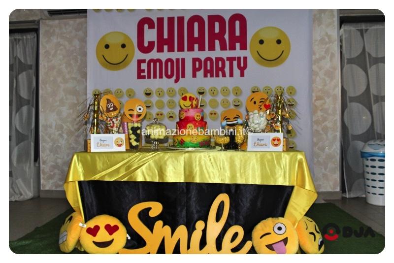 festa-tema-emoji
