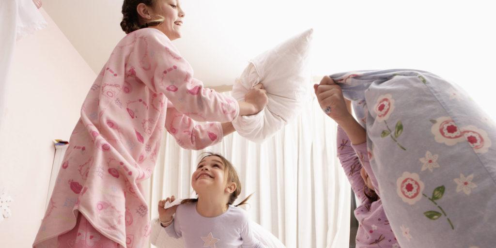 battaglia cuscini pigiama party
